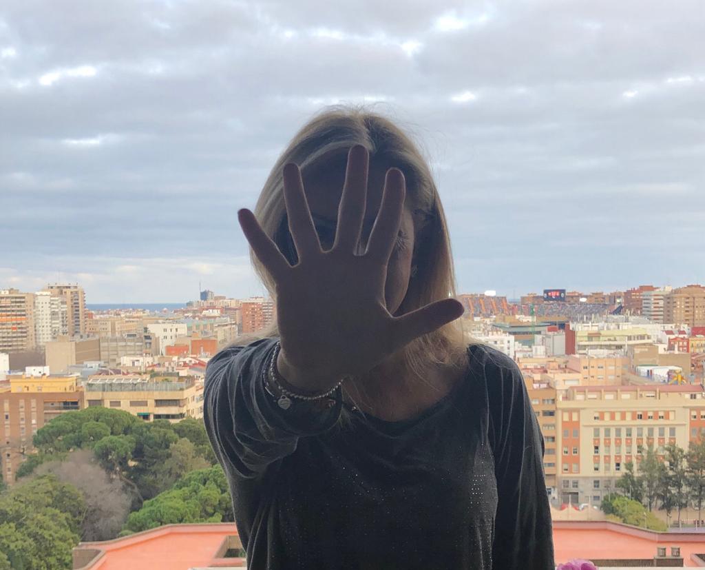 ESCRIBE TU RELATO DE Abril (I): @Xenia_Rambla, finalista del Premio Planeta 2018