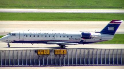 CVG PSA CRJ-200 N209PS