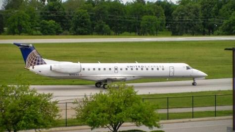 LEX ExpressJet ERJ-135 N11535
