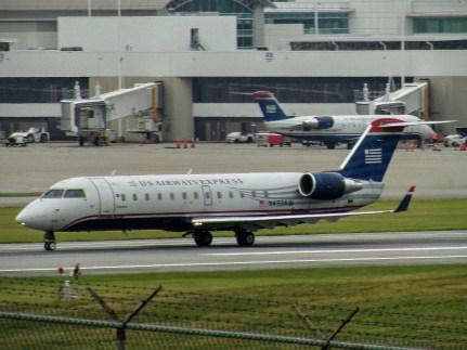 CVG Air Wisconsin CRJ-200 N433AW