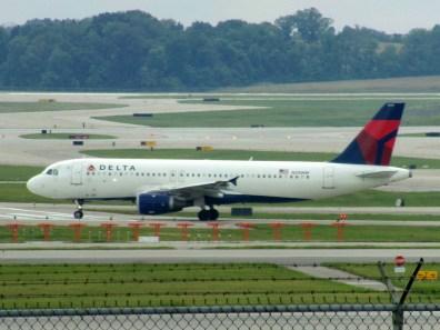 CVG Delta A320 N310NW