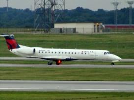 CVG Shuttle America ERJ-145 N565RP