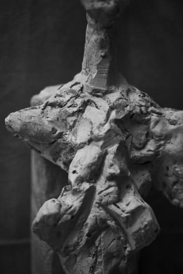 PETER LINDBERGH Alberto Giacometti, Femme debout (1961), Zurich, 2016, 2016 Hahnemuhle Photo Rag Baryta 315 grs 70 7/8 x 47 1/4 inches 180 x 120 cm
