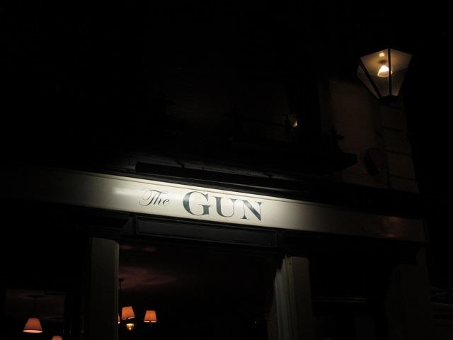 The Gun pub sign
