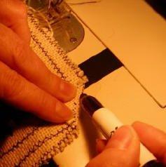 Finishing a hooked rug: Mark the corners to reduce bulk