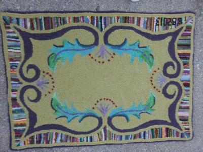 Annie's Wandering Scroll rug hooking pattern hand hooked by Barb Bauman