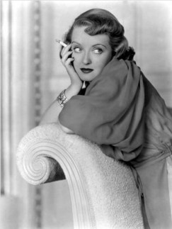 bette-davis-smoking-thumb-320x425-46494