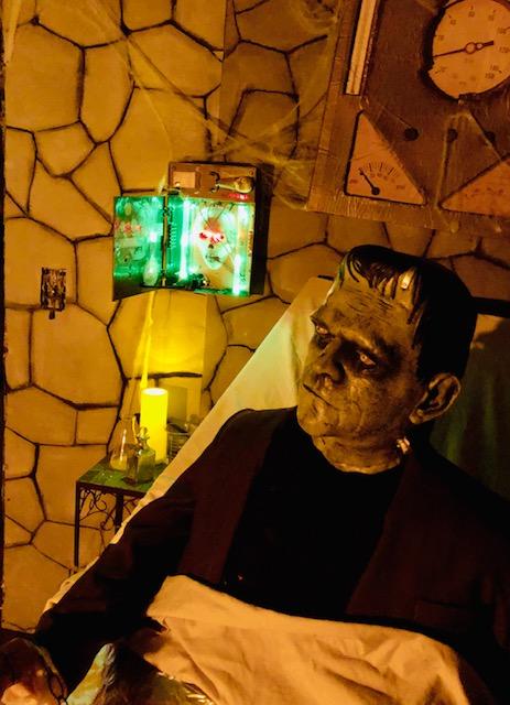 Classic Monsters Frankenstein's Lab