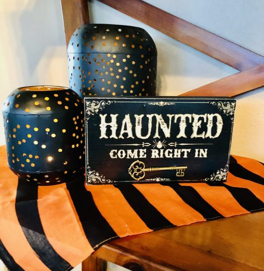 Decorating for Halloween with Decocrated haunted