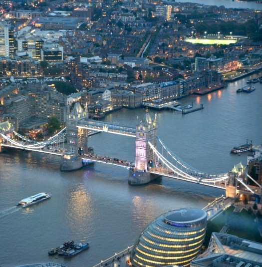 Ten Curiosities About London's Tower Bridge night