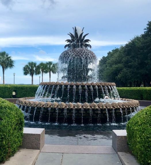 Fun Things to Do in Charleston pineapple fountain