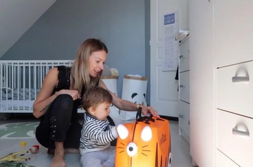 voyager vacances bébé valise indispensables rien oublier essentiels trunks