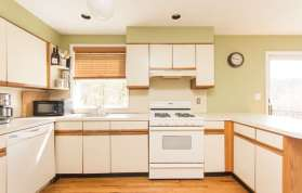 136 E Sunnyside Ln Irvington-small-006-Kitchen-666x426-72dpi