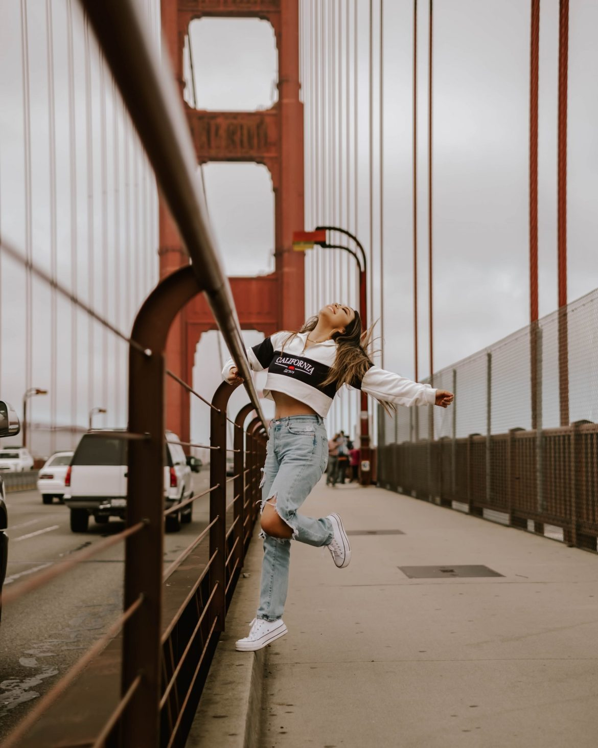 girl at the Golden Gate Bridge, San Francisco