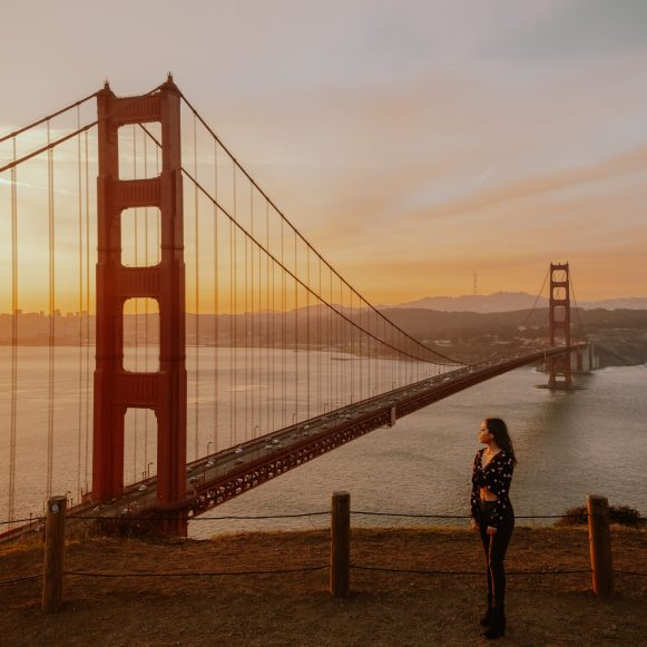 sunrise at the Golden Gate Bridge - 16 places to to visit in California