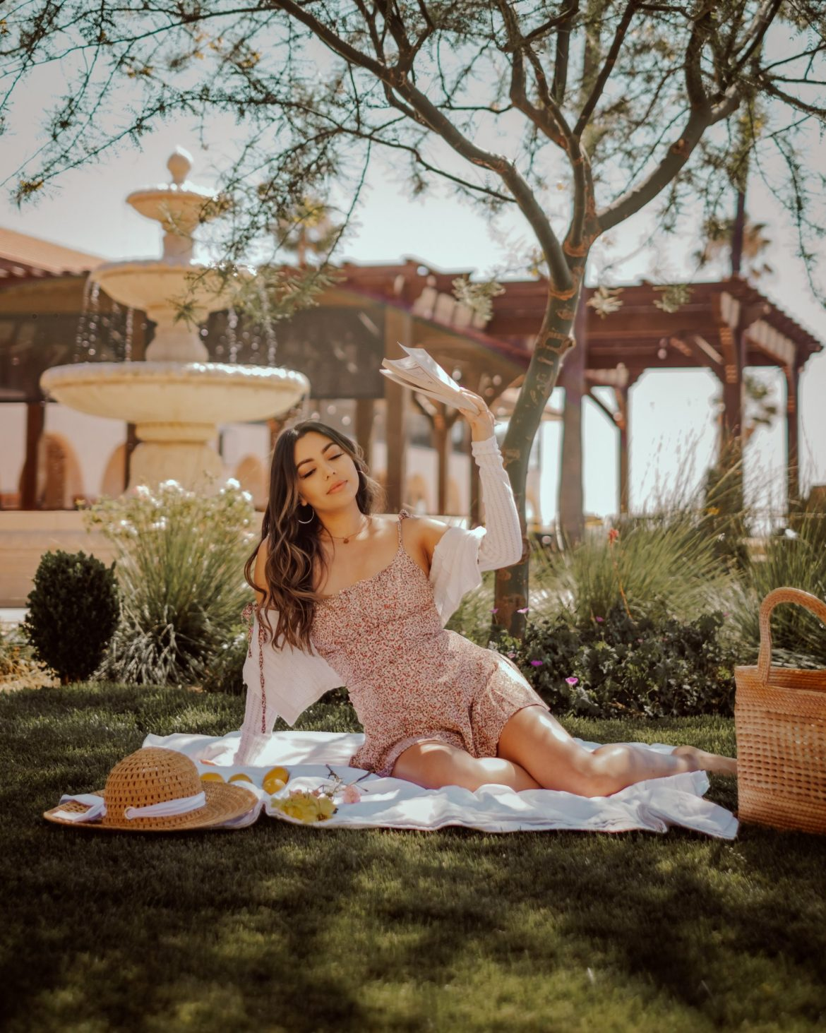 dreamy picnics, summer outfits, photography
