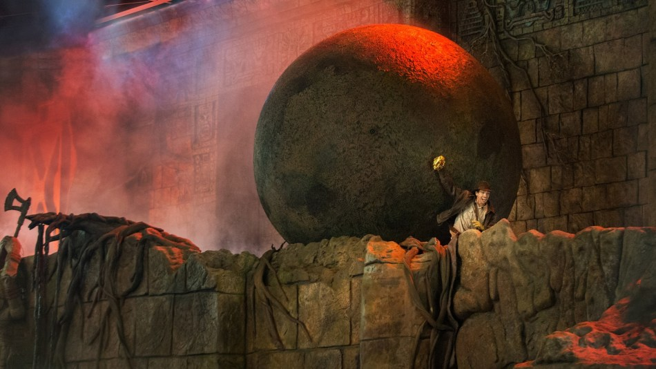 indiana-jones-stunt-spectacular-gallery01.jpg