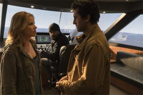 On se connaît pas tous, on s'apprécie pas toujours, mais on est dans le même bateau. Littéralement. - photo AMC
