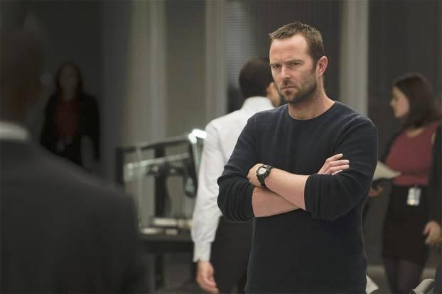 Je suis le premier rôle masculin le plus inexpressif depuis Vin Diesel dans xXx: vous pouvez passer cinquante photos de la série sans en trouver une où j'aurais une tête différente. - photo NBC