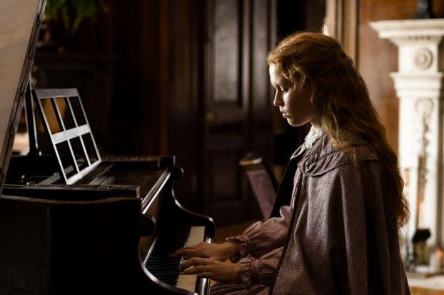 Eliza Scanlen dans Les filles du Dr March