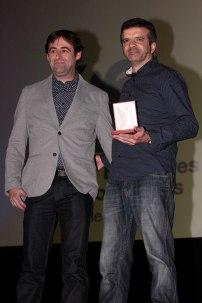 Nacho de la Casa y Alberto Rodríguez Rodríguez recogen la Medalla a película de animación para 'Ozzy'