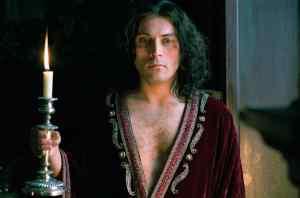 Charles II joué par Rufus Sewell