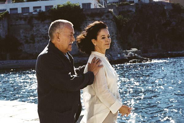 Michel Duchaussoy et Marie-José Nat dans Le Cadeau d'Elena