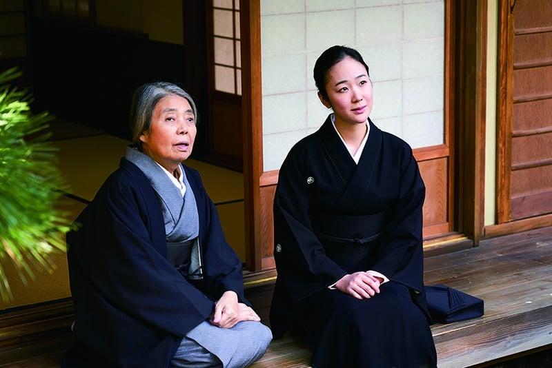 Haru Kuroki et Kirin Kiki dans Dans un jardin qu'on dirait éternel