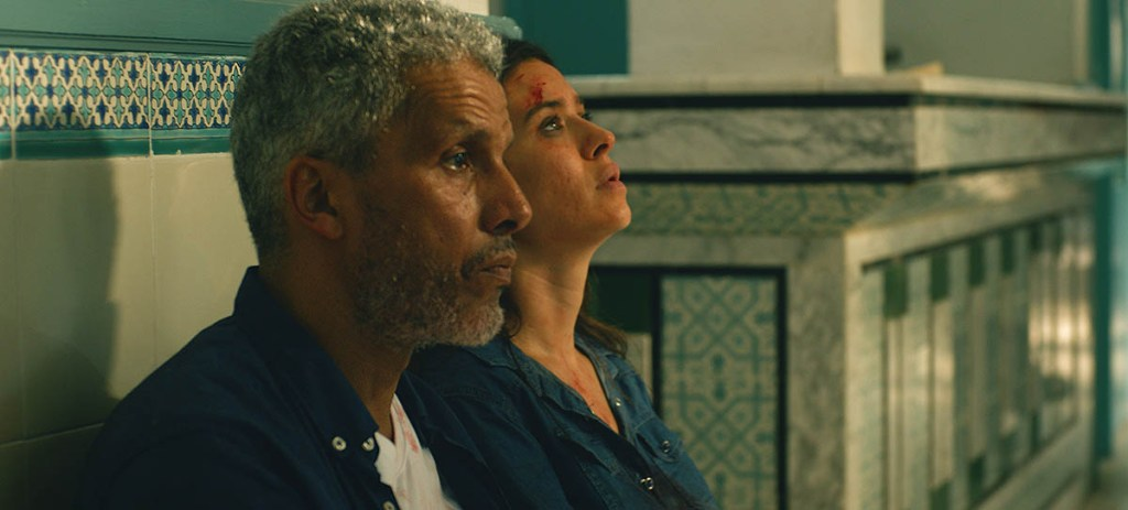 Sami Bouajila et Nadja Ben Allah dans Un fils (2020)