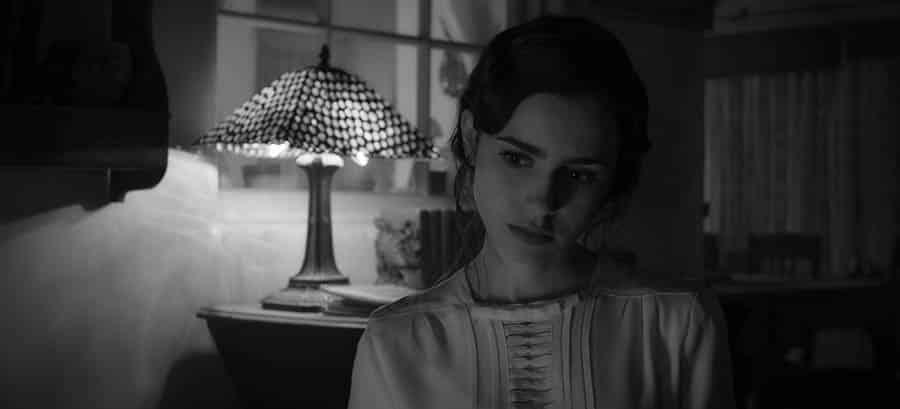 Lily Collins dans Mank de David Fincher