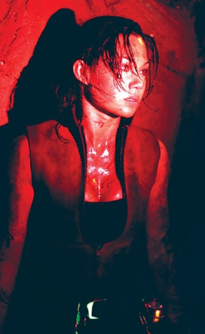 Natalie Jackson Mendoza dans The Descent de Neil Marshall