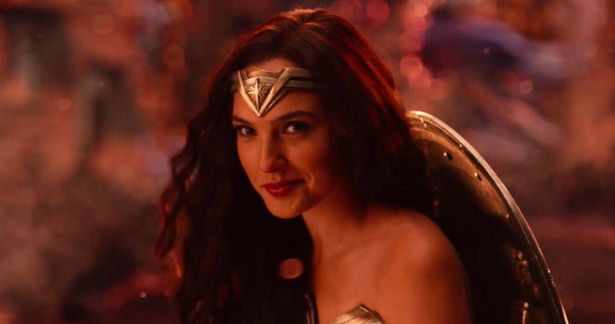 Quando fanno Clark e Lois iniziano a frequentare Smallville