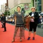 【写真】映画『家に帰ると妻が必ず死んだふりをしています。』第10回沖縄国際映画祭(OIMF) レッドカーペット (榮倉奈々、李闘⼠男監督、ワニ)