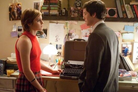 Emma-Watson-e-Logan-Lerman-09Jan2012_03
