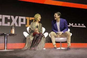 "Lin Shaye e Jason Blum no painel de ""Sobrenatural: A Última Chave"""