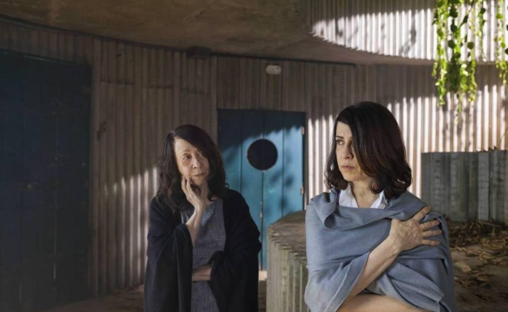 Fernanda Montengro e Fernanda Torres em cena de  Ghost of Lina Bo Bardi