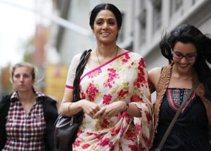 english-vinglish-sri devi and priya anand