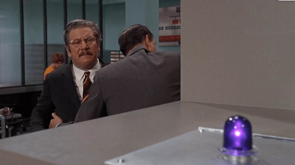Hot Millions (1968) avec Peter Ustinov