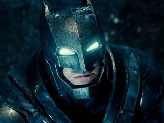 batman v superman blue eyes