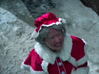 bad-santa-2-kathy-bates