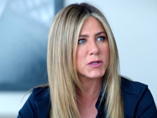 office-christmas-party-jennifer-aniston