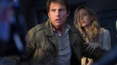 Tom Cruise, Annabelle Wallis in The Mummy (Universal Pictures)
