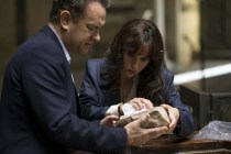 Tom Hanks et Felicity Jones dans Inferno (2016)