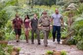 Michael Caine, Luis Guzmán, Dwayne Johnson, Vanessa Hudgens, et Josh Hutcherson dans Voyage au centre de la Terre 2: L'île mystérieuse (2012)