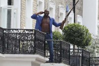 Idris Elba dans 100 Streets (2016)
