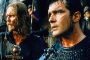 Antonio Banderas et Dennis Storhøi dans The 13th Warrior (1999)
