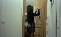 """Kyoko hangs a """"do not disturb"""" sign"""