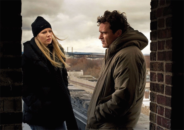 two_lovers_movie_image_gwyneth_paltrow_and_joaquin_phoenix