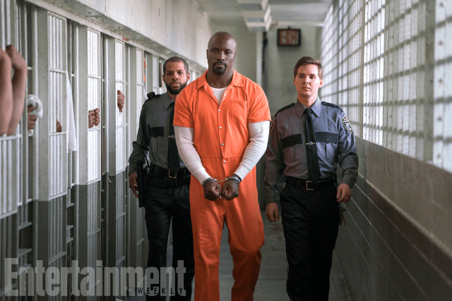 marvels-the-defenders-luke-cage-ew-04