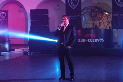 ClubDeCuervosS4_Party_01